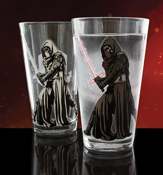 Star Wars Episode VII Kylo Ren Heat Change Pint Glass